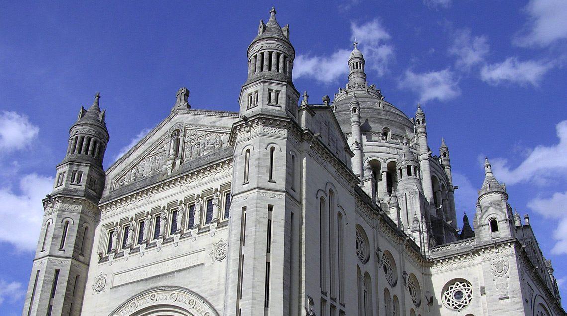 Lisieux-Basilique, Evreux en Normandie